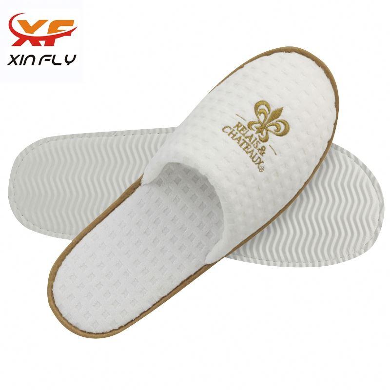 Yangzhou factory Closed toe felt hotel slippers with logo