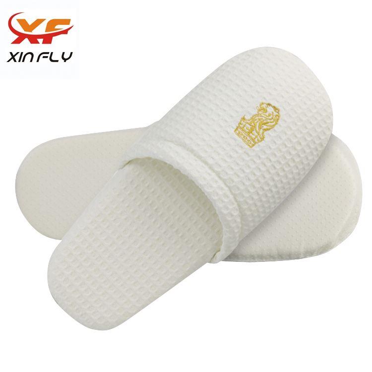 Luxury Closed toe antislip hotel slipper supplier