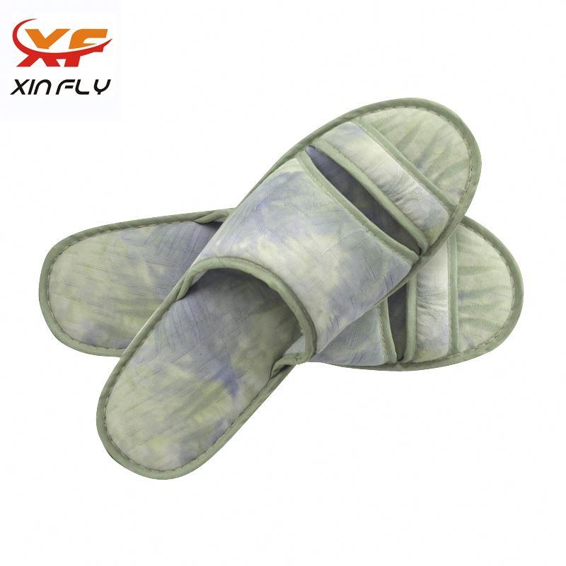 Wholesale Closed toe ladies hotel slipper with Custom logo