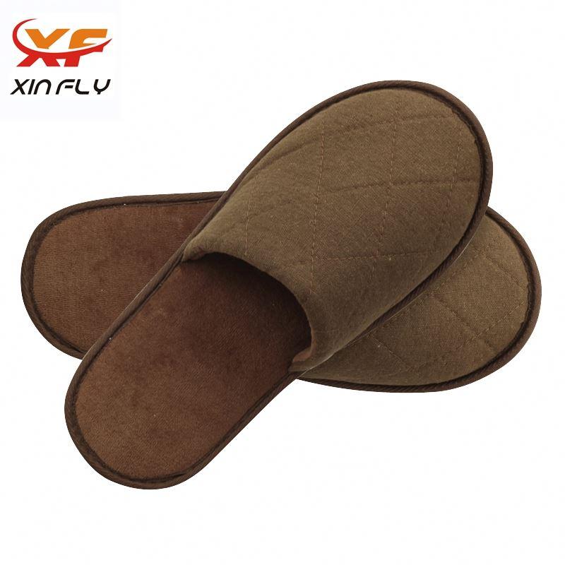 Sample freely Open toe lambskin hotel slipper with Custom logo